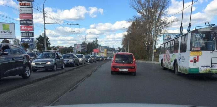 В Брянске до конца недели продлили ограничение движения по Объездной улице