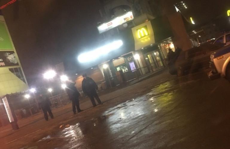 В Брянске эвакуировали бежицкий «Макдоналдс»