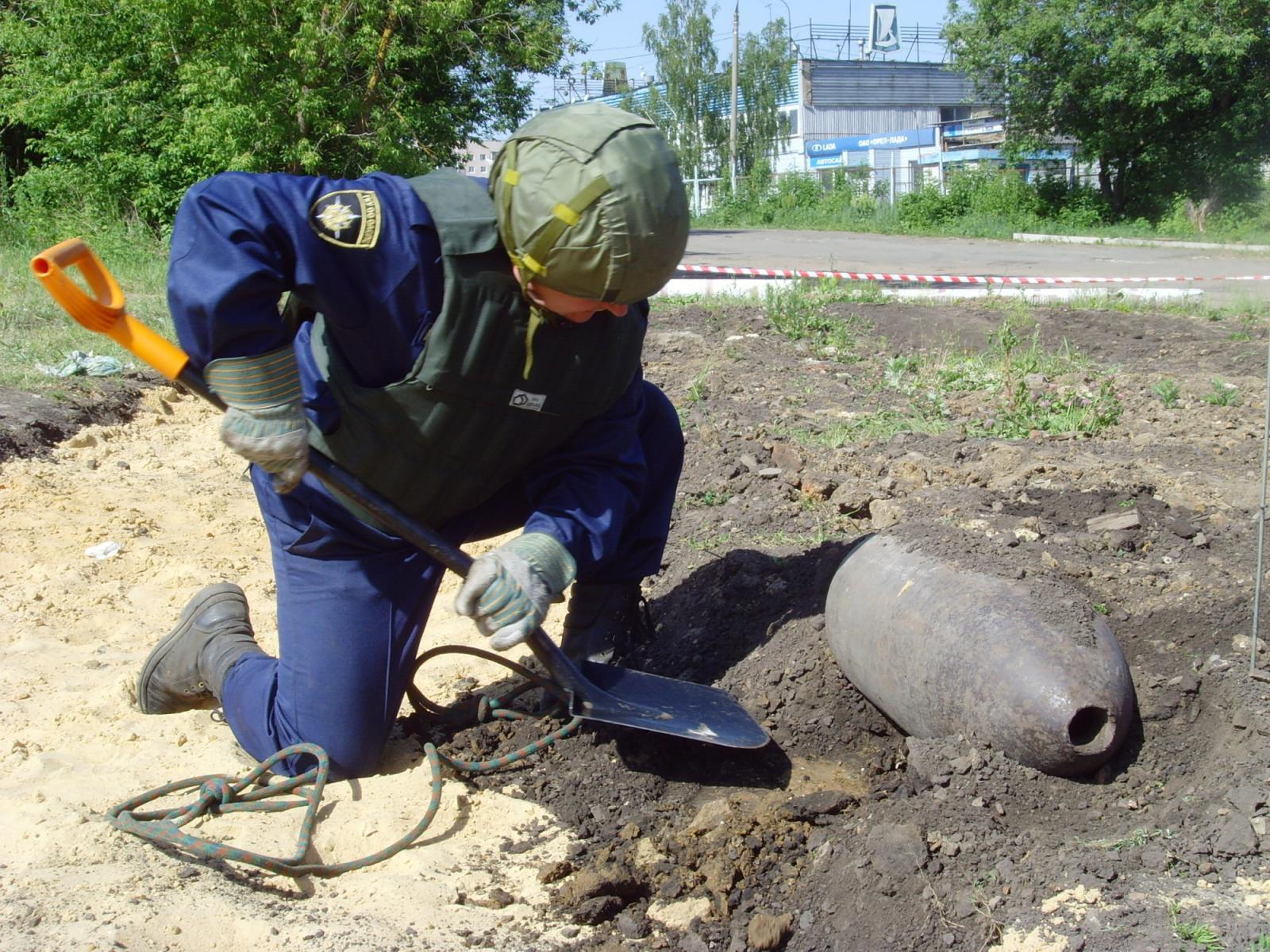 В Злынковском районе обезврежены взрывоопасные предметы времен войны