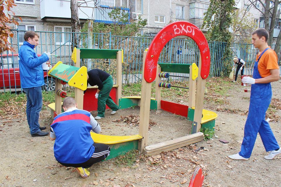 В Бежицком районе Брянска отремонтируют детскую площадку