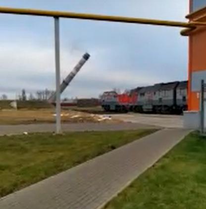 В Брянске сняли на видео снос башни на территории БМЗ