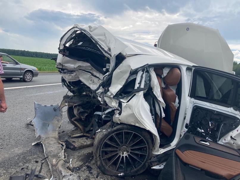 В Выгоничском районе в ДТП погиб 48-летний водитель Mercedes, 13-летний ребенок ранен