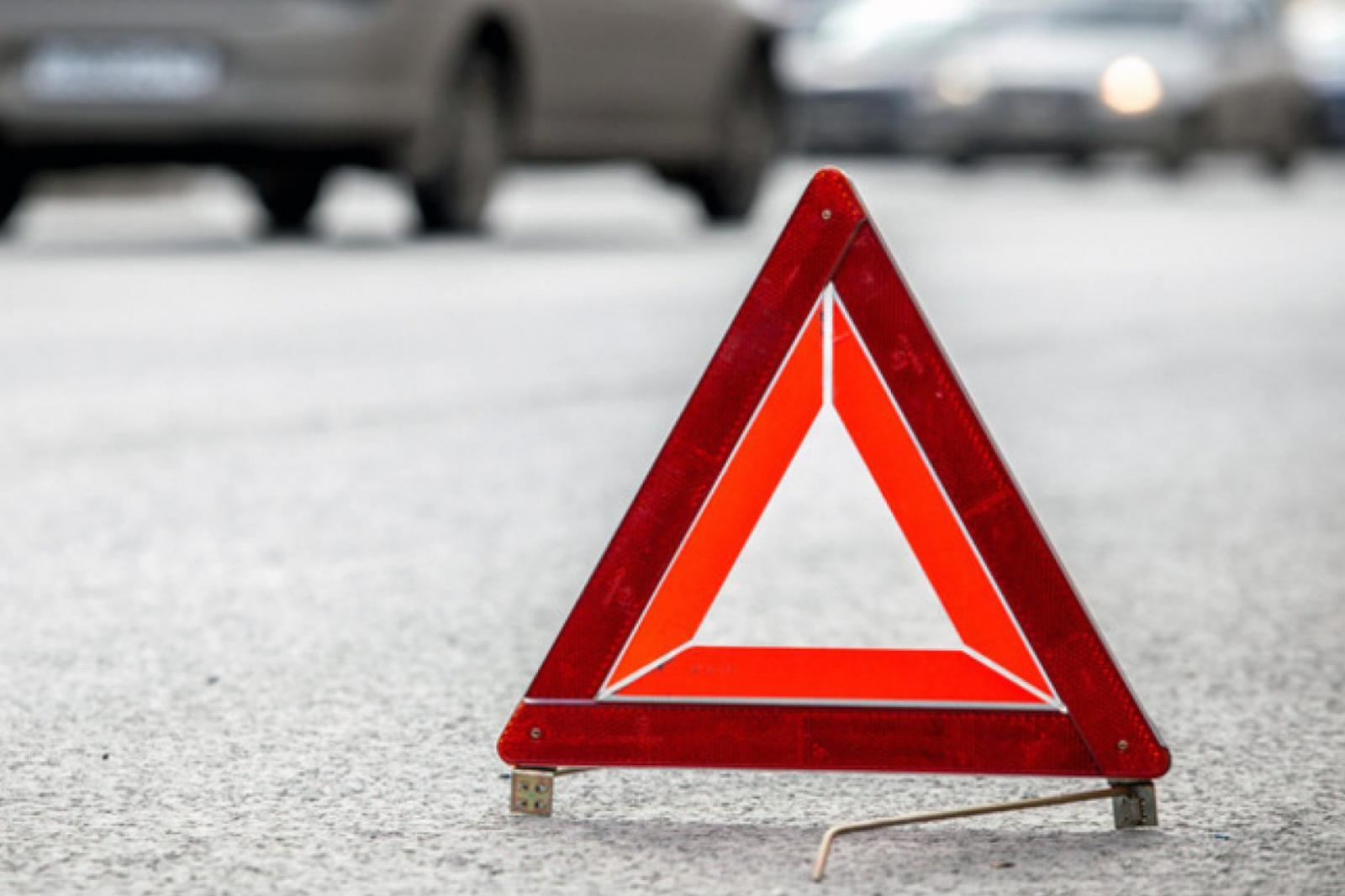 В Брянске «КАМАЗ» столкнулся с учебным автомобилем
