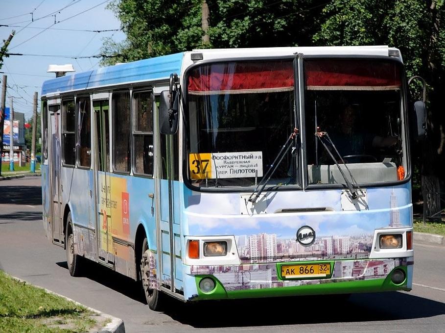 В Брянске график движения автобуса №37 продлят до полуночи