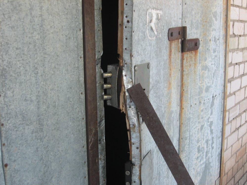 В Брянске задержали 35-летнего вора, взломавшего гаражи в Фокинском районе