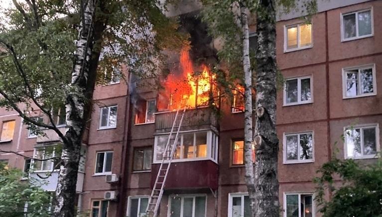 При пожаре в Брянске на проспекте Ленина погибла женщина, 11 человек эвакуированы