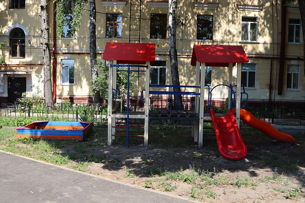 В Брянске на сэкономленные деньги отремонтируют 7 дворов