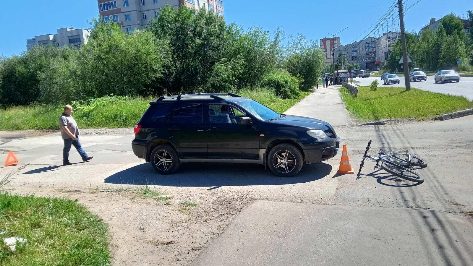 В Климовском районе водитель на Audi Q7 сбил 62-летнего велосипедиста