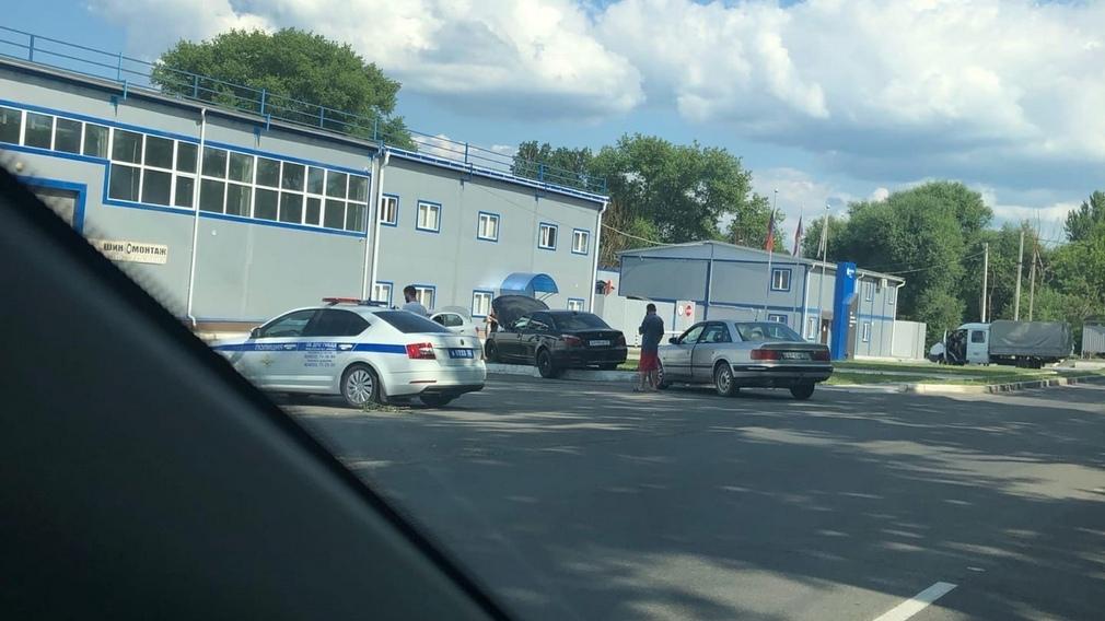 В Брянске сняли на фото автохама на иномарке