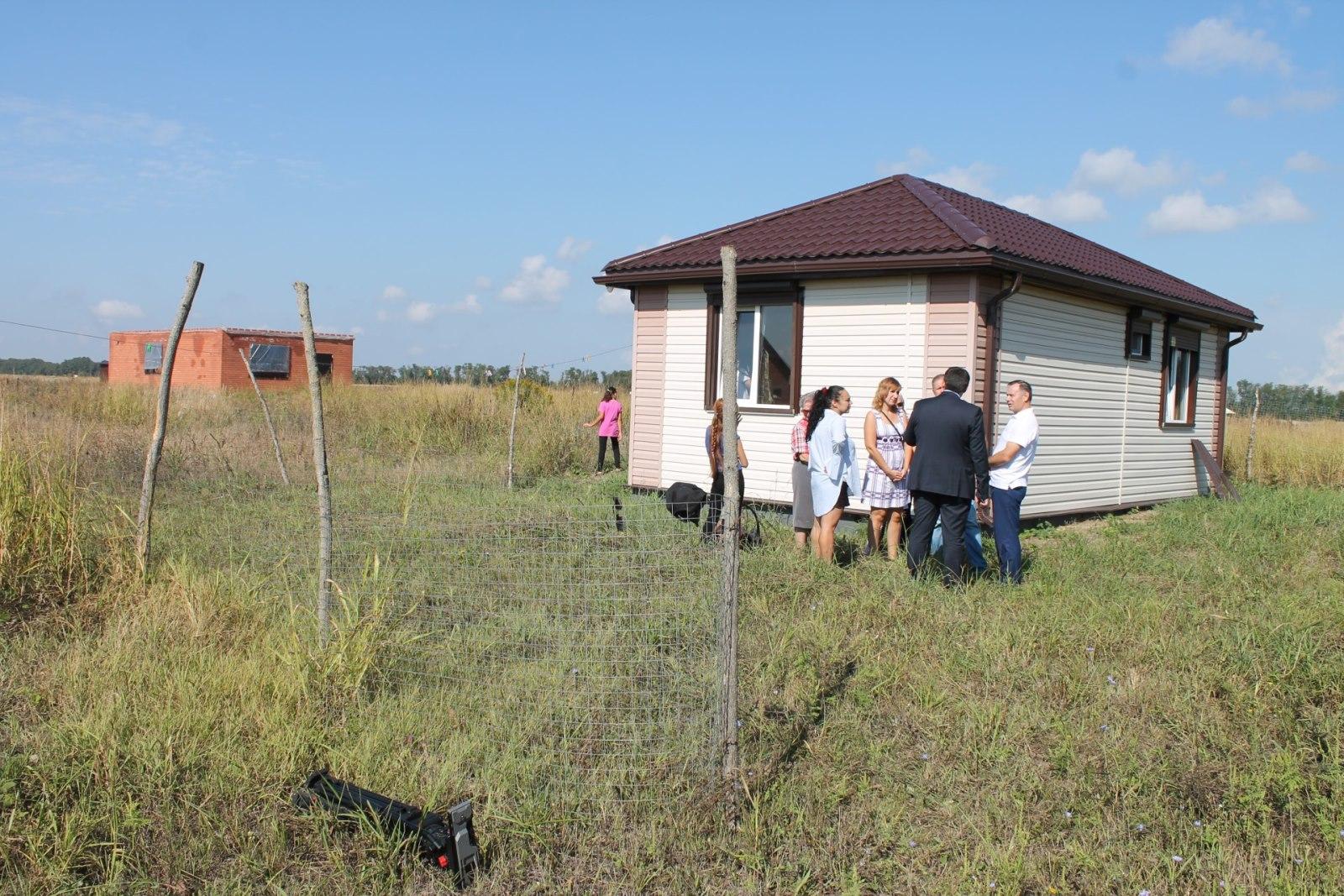 В Брянске в этом году 11 многодетных семей получили бесплатные земельные участки