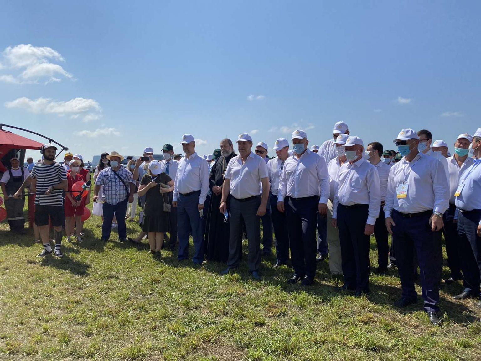 Губернатор Александр Богомаз посетил выставку «День брянского поля-2021»