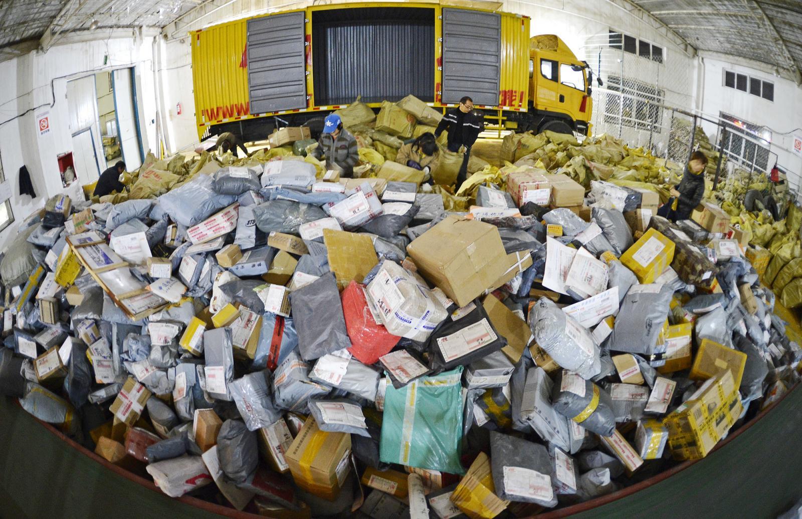 В Республику Беларусь не пустили брянские таможенники 64 тонны китайских товаров