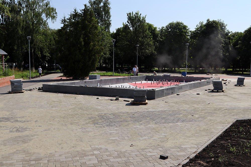 В Бежицком районе Брянске готовят к запуску фонтан в сквере Пролетарском