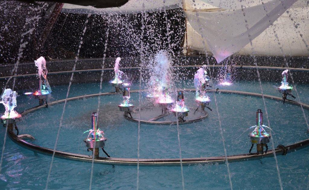 В Брянске в тестовом режиме запустили фонтан в сквере Пролетарском