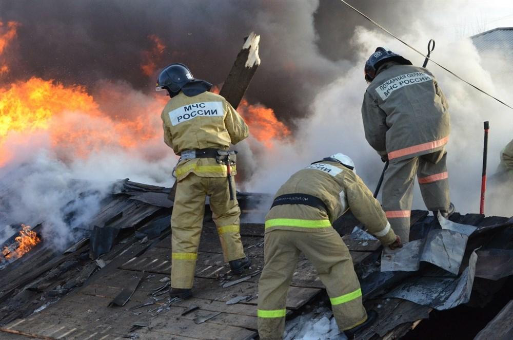 В Жуковке сгорел дом на улице Партизанской