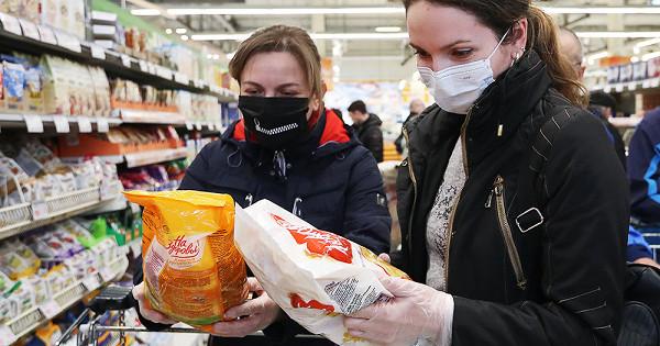 В Брянске в магазинах поймали 28 покупателей без масок