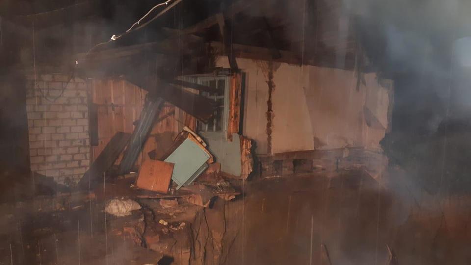 Причиной обрушения дома в Брянской области стал карстовый провал