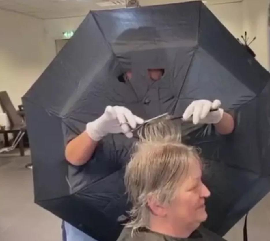В Брянской области разрешили работать частным парикмахерам