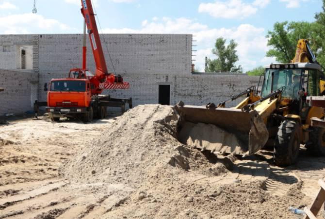 В Брянске два бассейна обещают достроить раньше срока