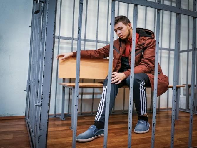 Для виновника смертельного ДТП на Речной в Брянске прокуратура попросила 6,5 лет колонии