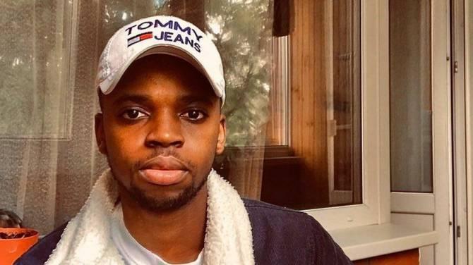 Брянское такси подарило 3000 рублей на поездки студенту из Африки