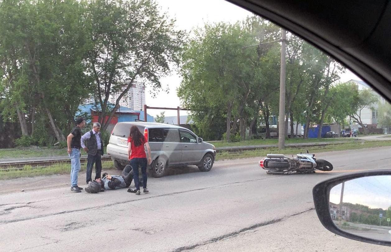 В Брянске на улице Литейной мотоциклист попал в аварию