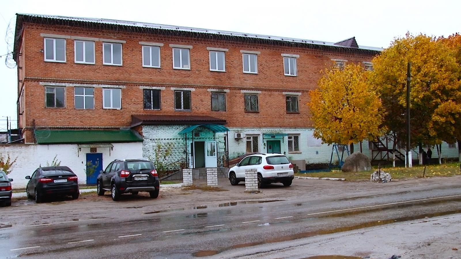 Начальника колонии №6 в Клинцах Брянской области осудили за гибель двоих заключённых