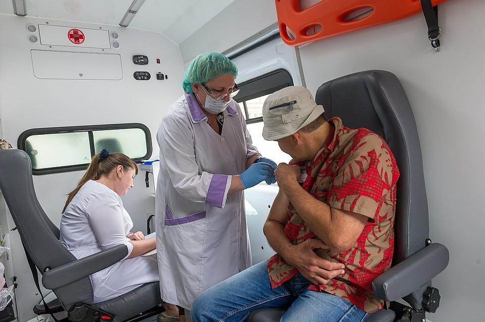 В Брянской области от коронавируса привились более 140 000 человек