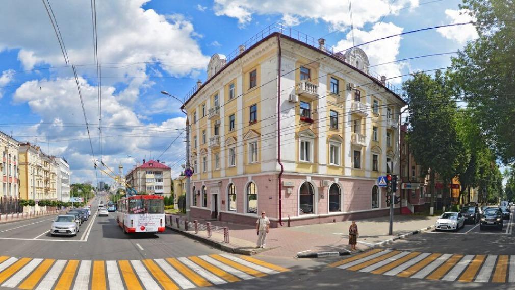 В Брянске на улице Горького добровольцы восстановят исторический дом