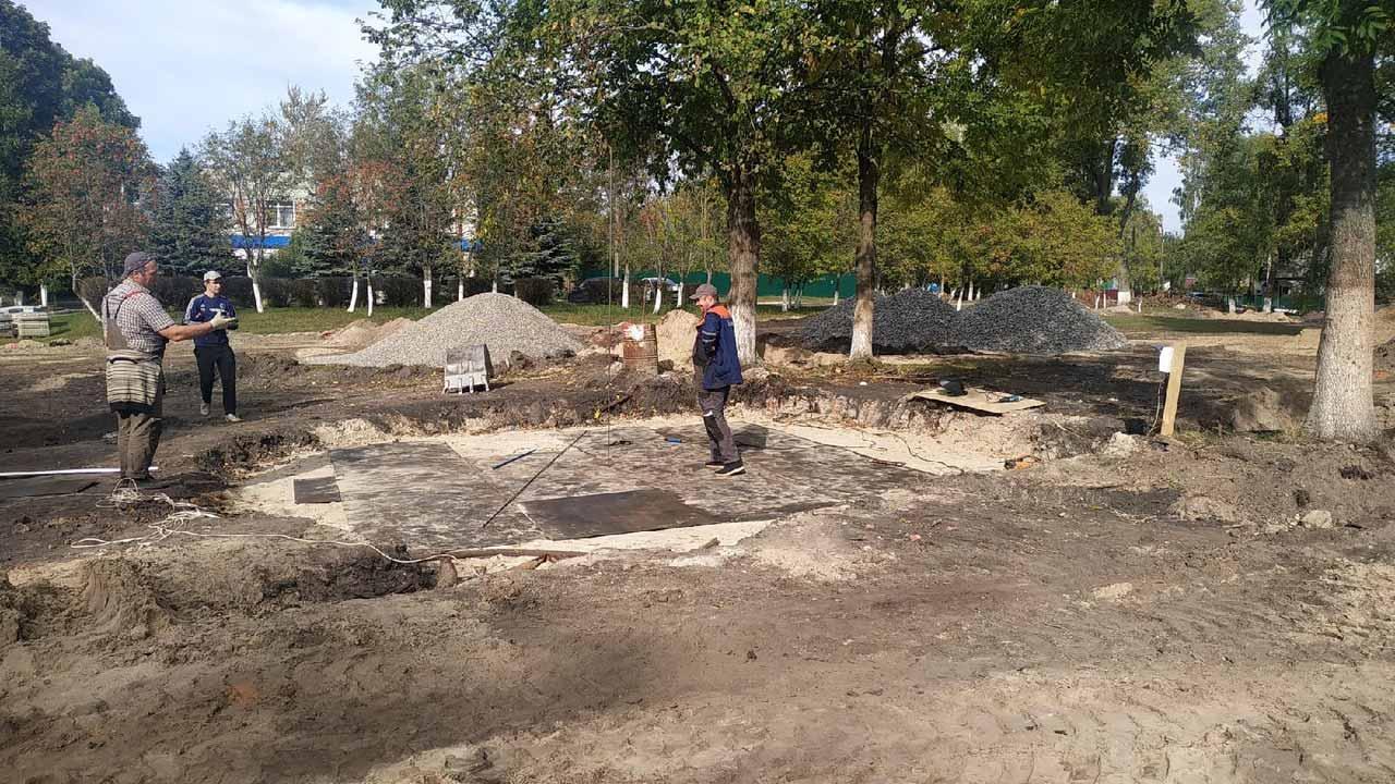 В брянском поселке Локоть завершился первый этап реконструкции усадьбы Великого князя