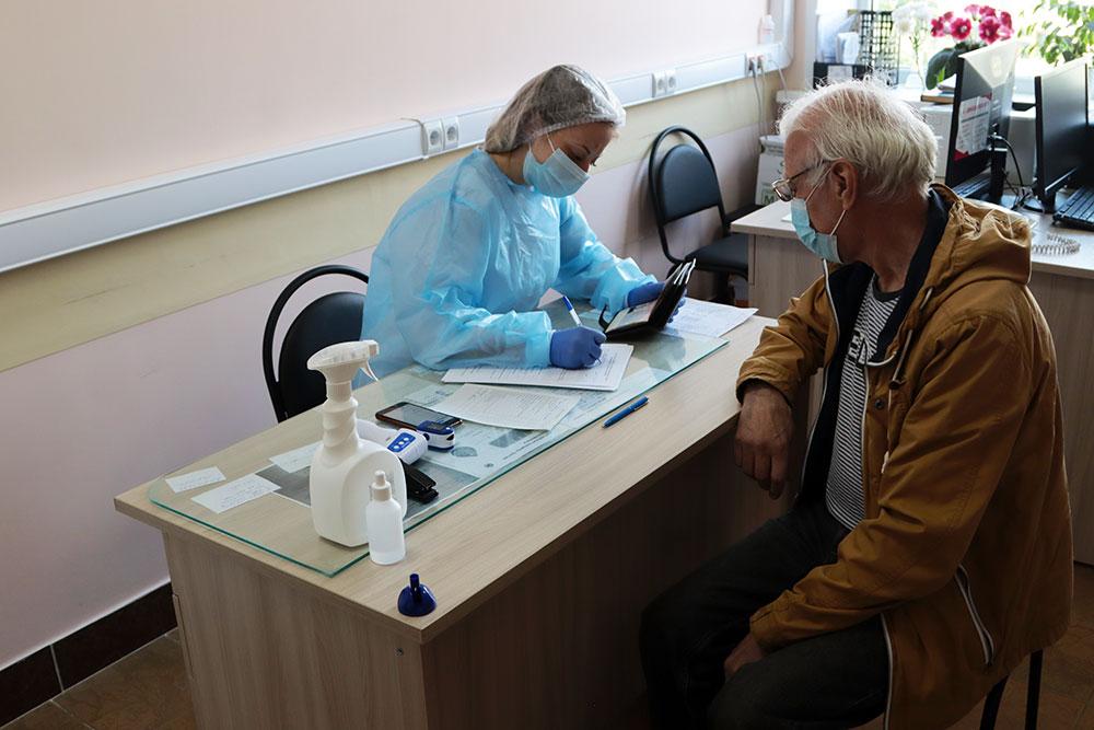 В Советском районе Брянска прививку от коронавируса сделали 14,2 тысячи человек