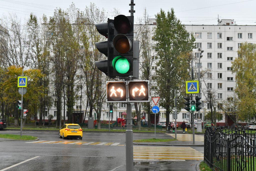 Новые светофоры с дополнительной секцией появились в Брянске