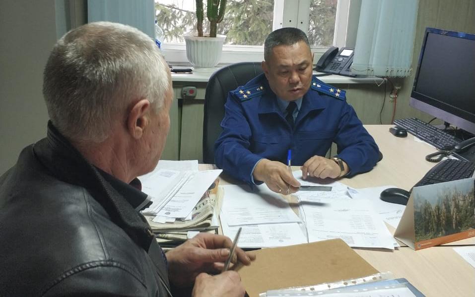 К прокурору Брянской области Доржиеву обратились на прием 20 граждан
