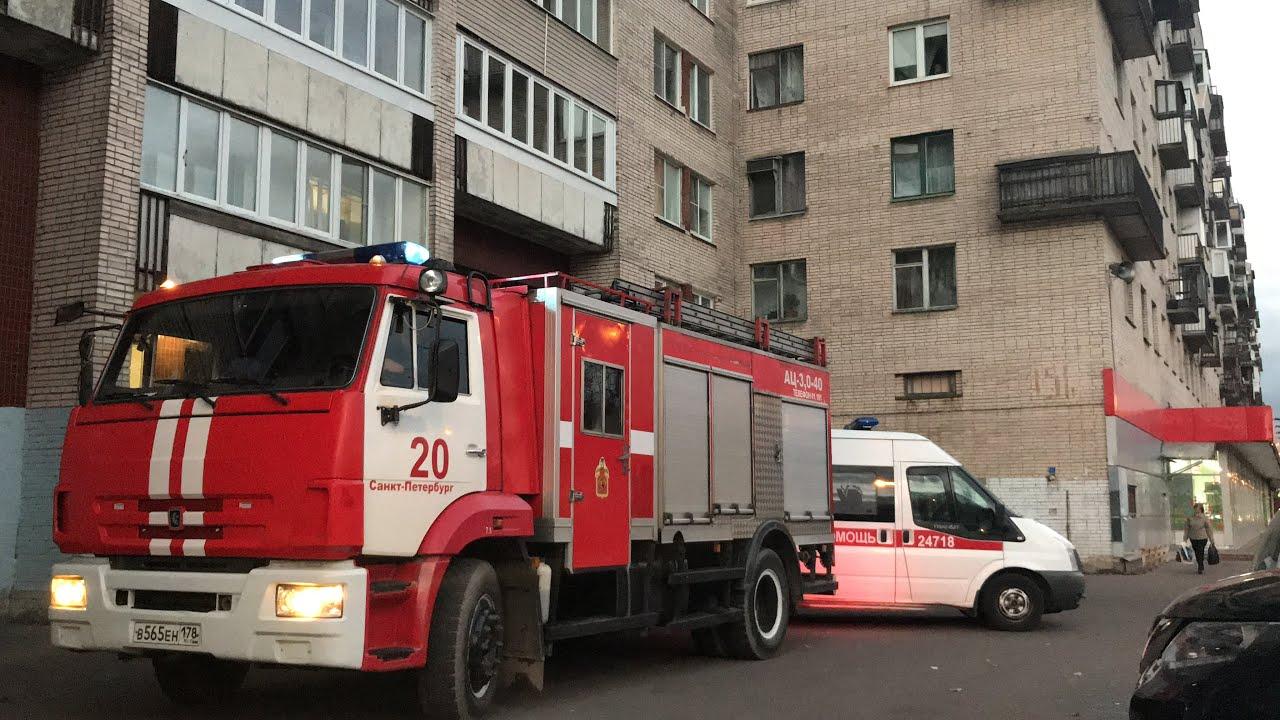 В Брянске в поселке Чайковичи пострадал человек в горевшем доме