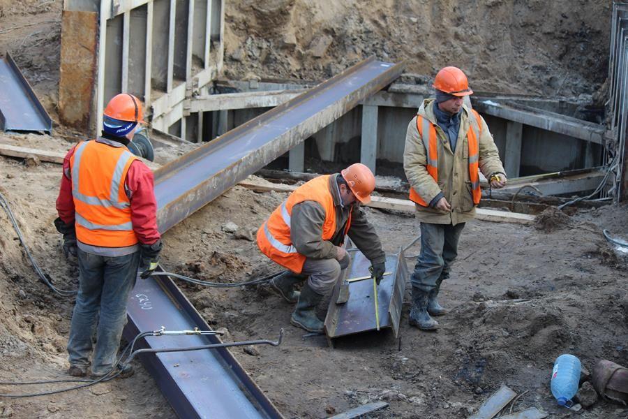 В Бежицком районе на ремонт двух канализационных коллекторов выделили 66 млн рублей