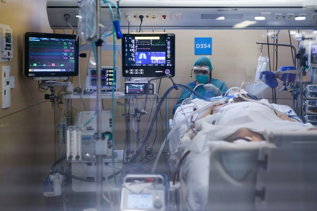 Брянский оперштаб опубликовал видео из отделения реанимации ковидного госпиталя