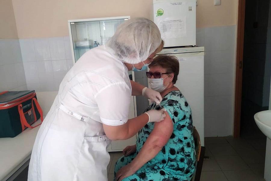 Более 157 тысяч брянцев привились от коронавируса