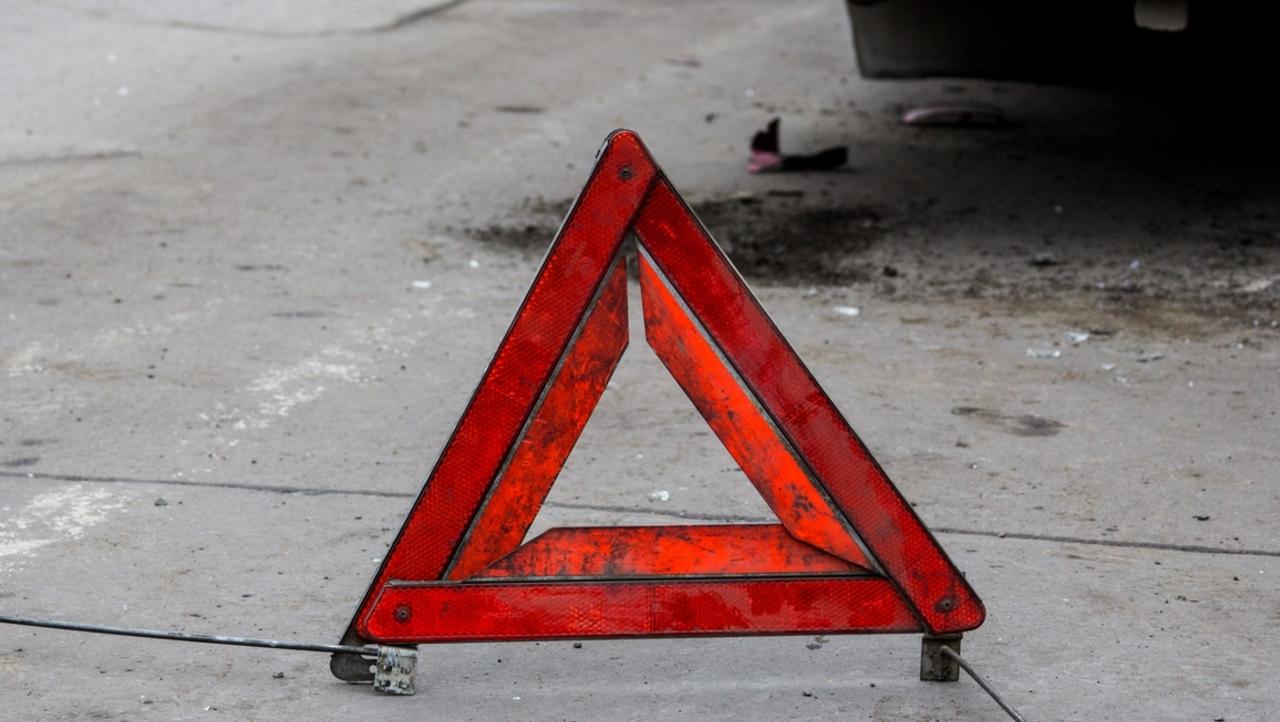 В Дубровском районе уснувший водитель ВАЗ выехал на встречку и врезался в Mercedes