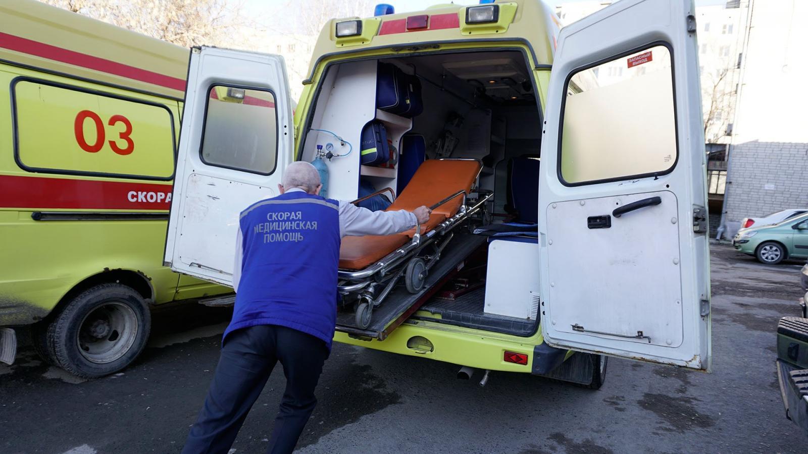 В Комаричском районе в ДТП пострадали водитель и пассажир Skoda Octavia
