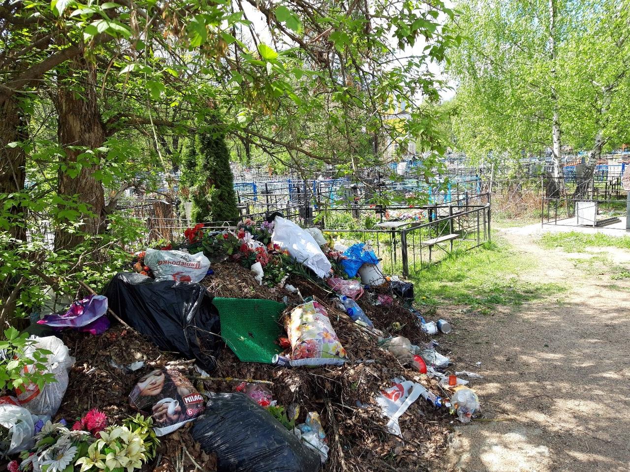 Кладбища Брянска очистили после вмешательства прокуратуры