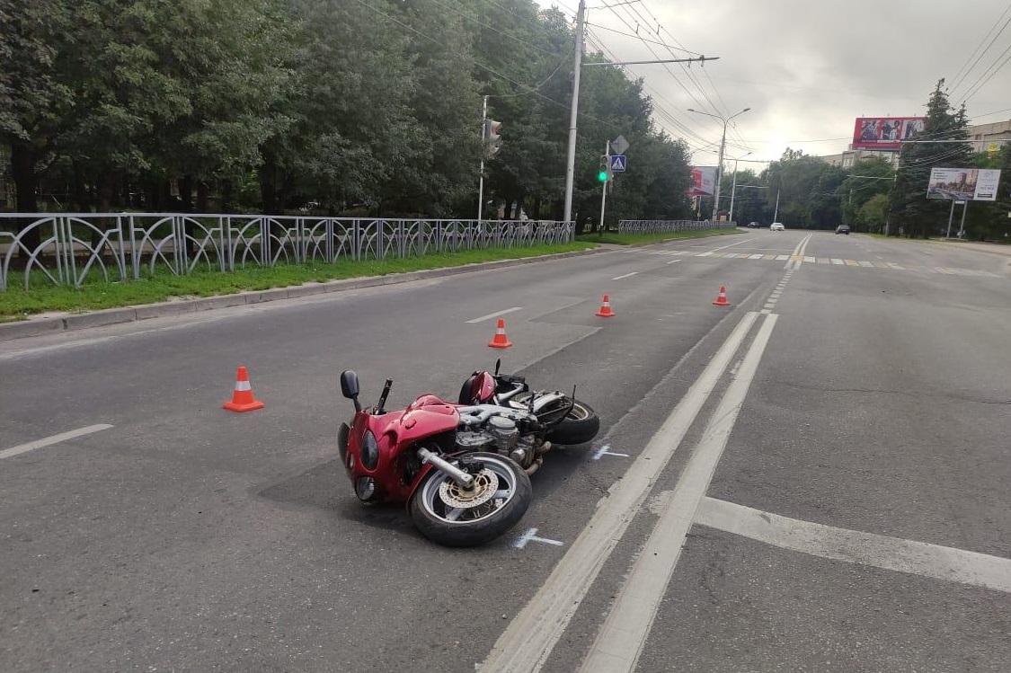 В Жуковке водитель мотоцикла влетел в легковушку