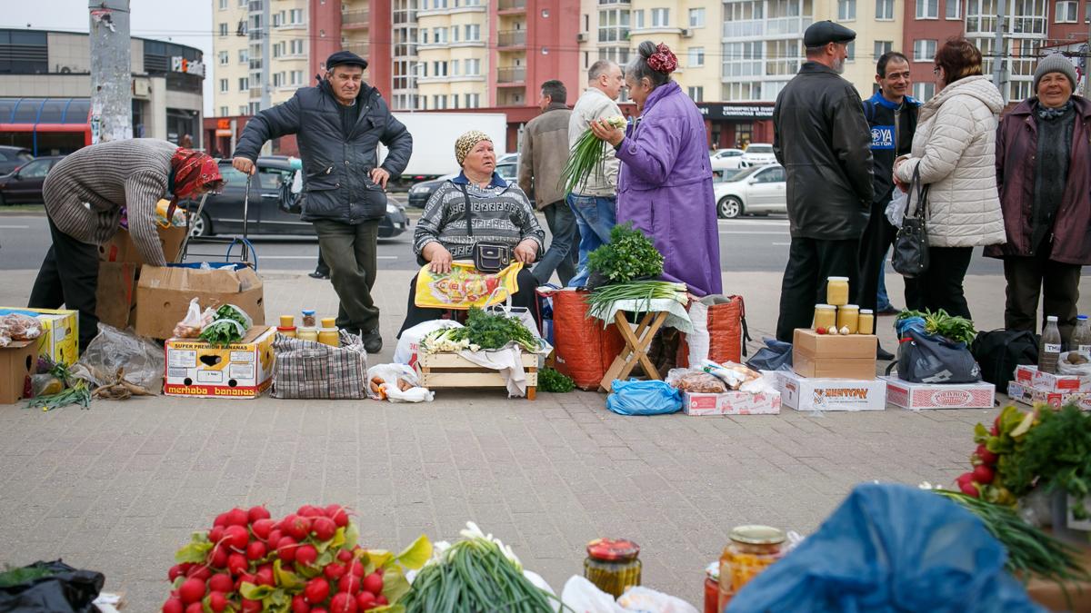 В Бежицком районе Брянска на улице Литейной снесли стихийный рынок
