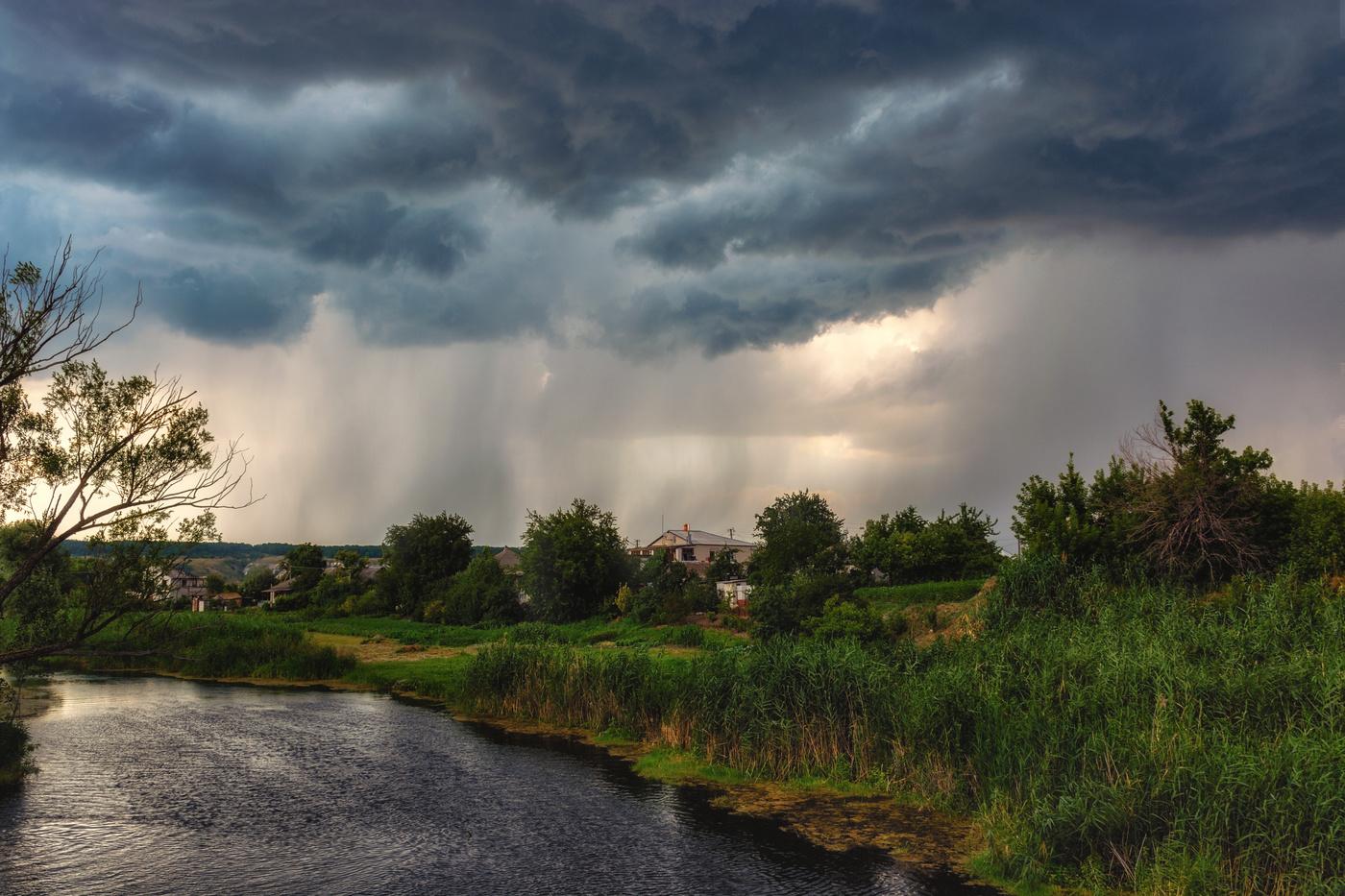 Жителям Брянщины обещают дождь с грозой и 32-градусную жару в субботу 17 июля