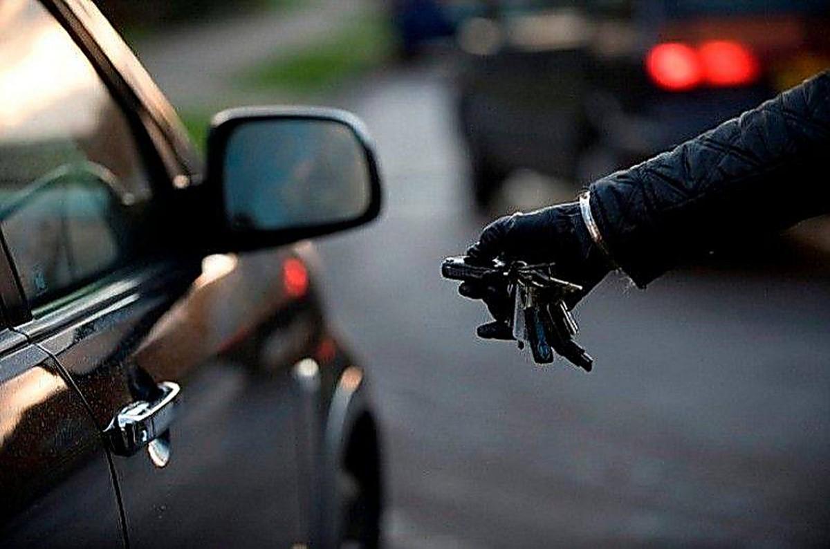 В Брянске со стоянки Транснефти угнали Kia Rio: водитель ищет очевидцев