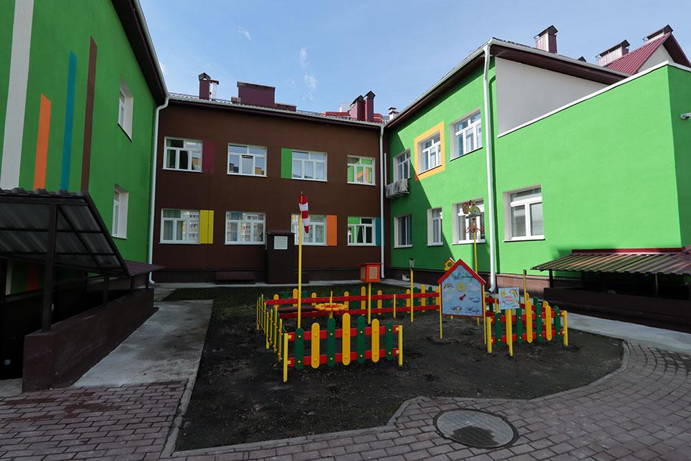 На территории старого аэропорта в Брянске открыли новый детский сад «Тюльпанчик» на 270 мест