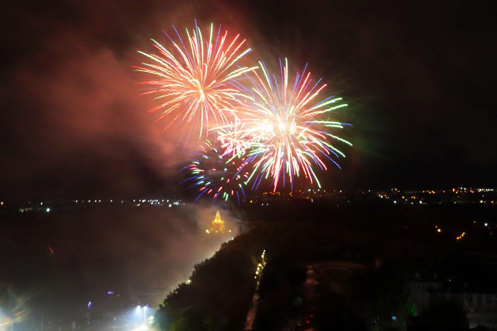Празднование Дня города Брянска завершилось праздничным салютом на Кургане