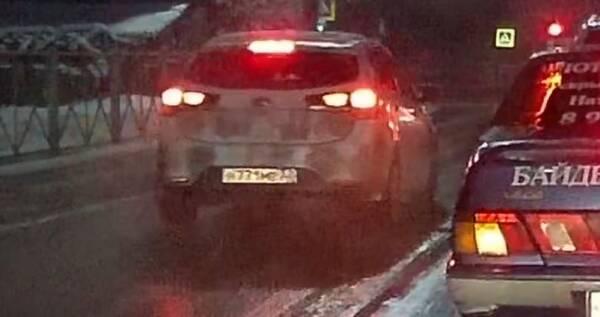 В Брянске сняли на видео злостного нарушителя ПДД на улице Делегатской