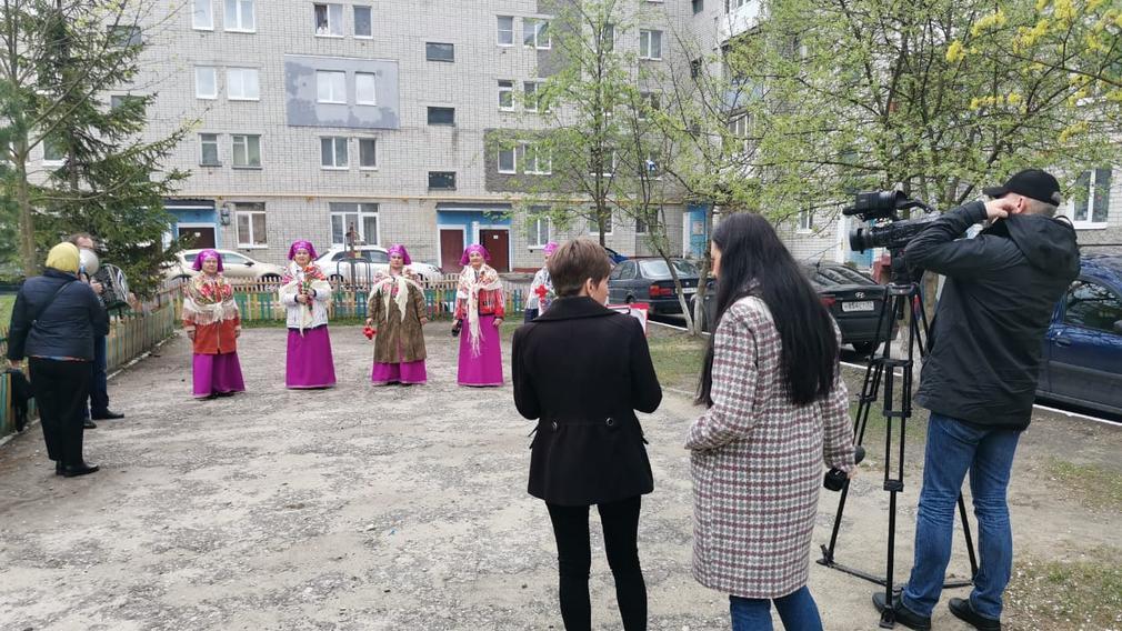 В Бежицком районе Брянска прошла акция «Поём двором»