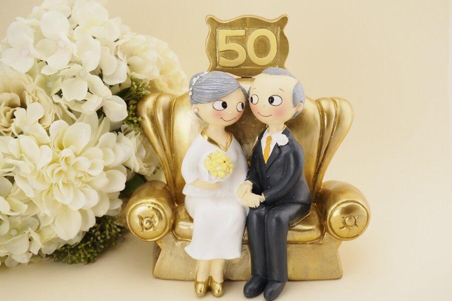 Супруги Савиновы из города Карачева отпраздновали золотую свадьбу