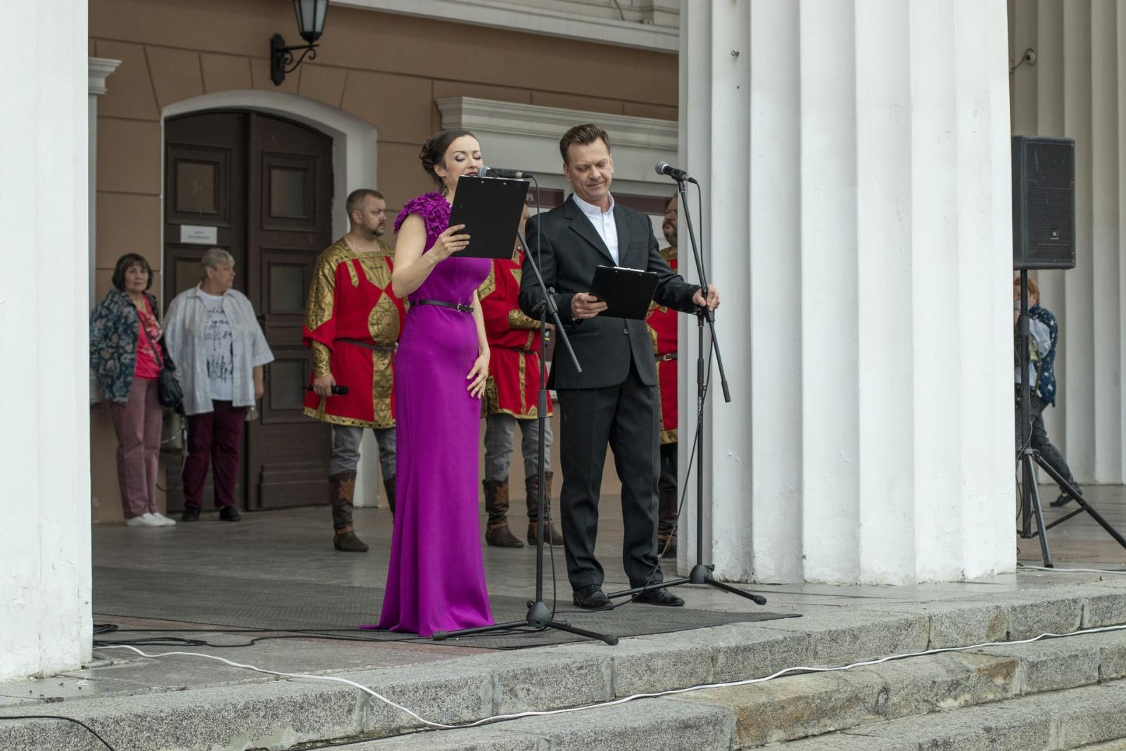 В Брянске прошло торжественное открытие фестиваля «Мы любим наш театр!»